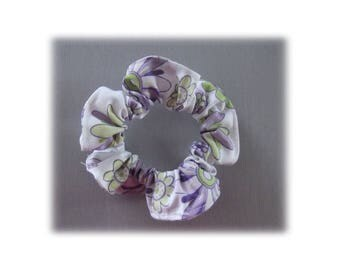 WHITE LILAC SCRUNCHIE