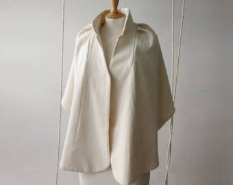 Cape wedding off white wool Mandarin collar and pleat in back