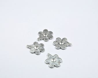 BR306 - Set of 4 silver metal flower charms