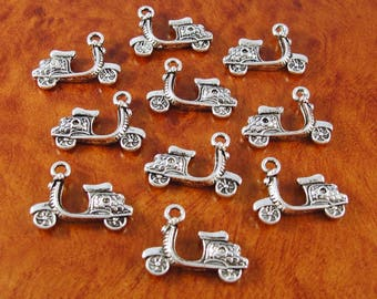 Scooter charms / 10 motorcycle charms / silver 3 D cycle charms for jewelry and crafts