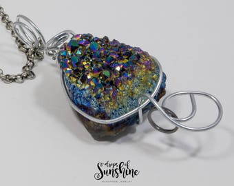 Underwater reflections necklace