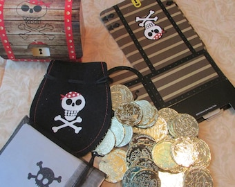 """Gold Chest """"WH"""" Questions Pirate Game"""