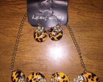 Cheetah print jewelry set