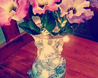 Colorful vase, shiny decorations, weddings, parties, flowers, lights