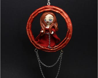 Doll figurine Melysandre game of Thrones jewelry pendant