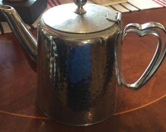 Olde Hall hammered effect teapot.