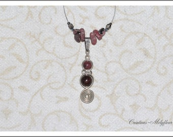 Necklace with natural stones: Rhodonite