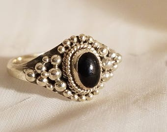 925 Onyx silver ring. Size 6