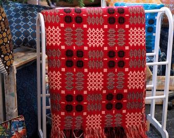 Vintage Welsh Tapestry Blanket, Red Welsh Blanket, Traditional Welsh Blanket, Red Caernafon Pattern Blanket, Welsh Wool Mill Blanket