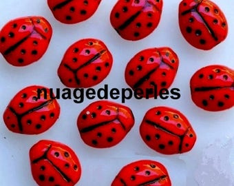 12 ladybugs red glass beads