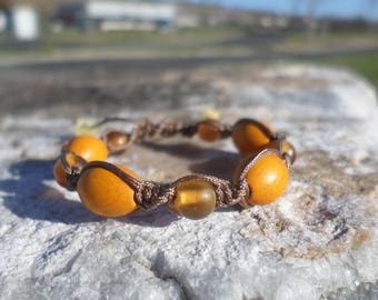 "Bracelet child blend special ""growing teeth"" beads of amber and boxwood"
