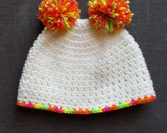 White double pom hat 6-12 months