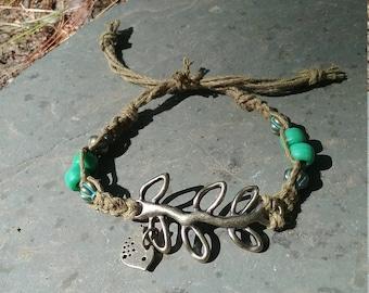 Bird and leaf hemp bracelet