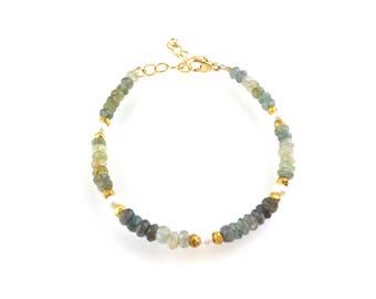 Aquamarine Gemstone Beaded Bracelet with White Freshwater Pearls, Stacking Bracelet, Boho Style Boutique Jewelry, Artisan Handcrafted