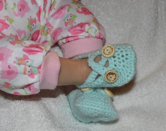 Cross over strap shoes (baby's first shoes, crochet shoes, handmade baby shoes, baby shoes, newborn shoes, baby shower gift, new baby gift