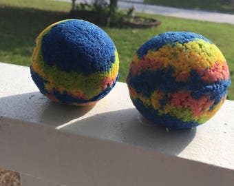 Heathers (The Musical) Inspired Bath Bomb: Comes in pack of two.