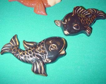 Vintage Mid Century Modern Retro Chalkware FISH Black & Gold Wall Plaques