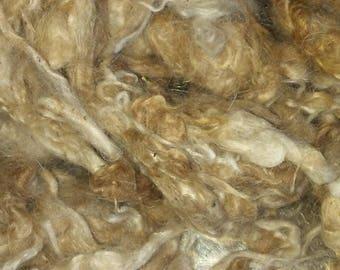 Handwashed royal baby alpaca cria fleece. Cream fawn. 1oz. Soft and fluffy. Very yummy!!!