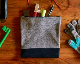 ZIPPER POUCH of grey and black