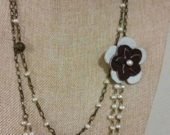 Vintage freshwater pearl flower necklace