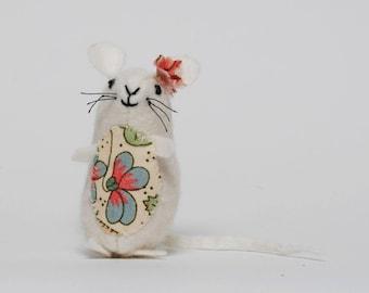 Little White Felt Mouse,  Little Pocket Mouse Gift,  Children's Felt Mouse Gift, Mouse Handmade from Organic wool Felt and Cotton