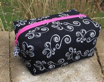 Zipper box pouch