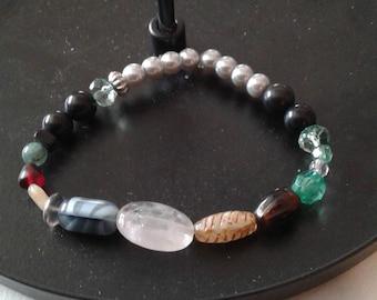 Bracelet of various colors