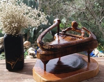 Pianist Wood sculpture