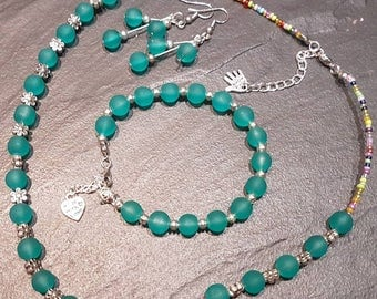 Green beaded jewellery set.