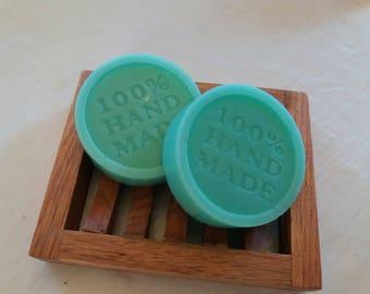 Artisan Soap 100% natural of Aloe Vera, honey, olive oil and lavender.