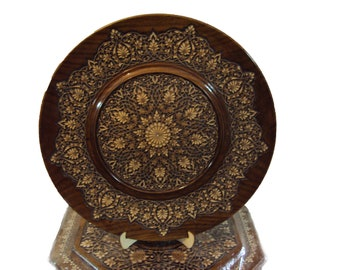 Decorative wooden Plate, diameter is 45 sm