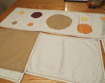 Table Runner with Placemats