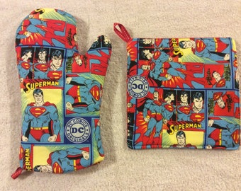 Classic Superman Oven Mitts and Hot Pads
