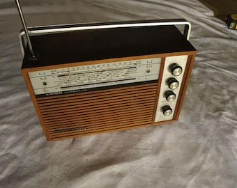 vintage portable Transistor Radio Schaub Lorenz amigo