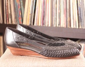 vintage black woven leather wedges . peep toe huaraches by Calico, womens size 8 . low heel shoes NEVER WORN