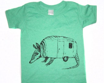 armadillo shirt, armadillo and airtstream t-shirt, awesome armadillo shirt, cute armadillo tshirt, fun design, free shipping