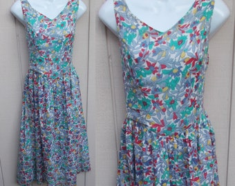 Vintage 80s Putumayo Cotton Floral Country Dress w/ Dropwaist / Sundress // frock / Size Sml - Med