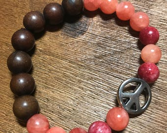 Warm Coral Agate and Howlite Peace Bracelet