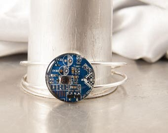 Recycled Circuit Board Bracelet Blue, Circuit Board Jewelry, Geeky Cuff Bracelet, Technology Gift for Her, Techie Jewelry, Upcycled Jewelry