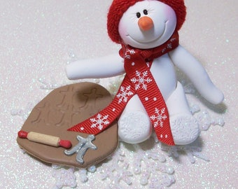 Creating gingerbread men: Snowman ornament with snowflake base
