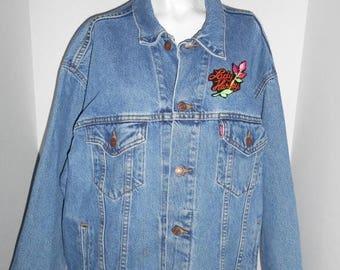 Closing Shop 40%off SALE 80s 90s vintage Levi's  Denim Jean Jacket Size  L   Harley Davidson Patches womens women ladies clothing clothes
