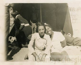 vintage photo 1940s African American Teen Gal Family at Beach CA