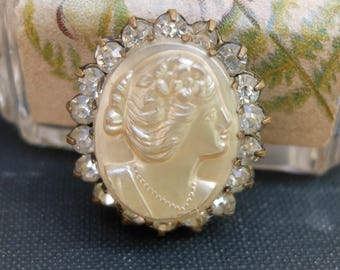 Vintage Cameo Pin Glass Cabochon