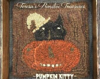 Hooked Rug Pattern Pumpkin Kitty