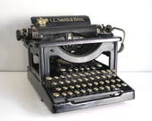 1905 LC Smith Typewriter, Antique Manual Typewriter, Black Enamel Office Equipment, Glass Keys, Industrial Decor, Theater Photo Prop