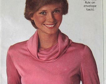 Christmas in July Vintage 70s Sewing Pattern Simplicity 8111 Misses Cowl Neck Blouse Bust 34 - 38 Inches  Complete