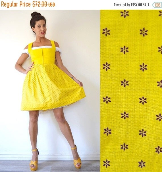 SUMMER SALE / 20% off Vintage 60s 70s Bright Yellow Linen and Calico Floral Print Pleated Cotton Dirndl (size xs, small)