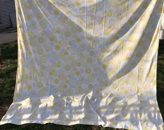 Vintage White with Yellow, Green, Blue and Pink Mod Flowers Perma Prest Percale Full Size Flat Sheet