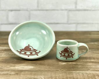 Kid dish set - kid cup and bowl - pale green celadon glaze - flying saucer!