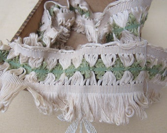 """33 Inches Antique Lavish Cotton Fringe CREAM & GREEN Fabric Trim Edging 2-5/8"""" Wide Knitting Clothing Crafts Sewing Doll Childrens Pillow"""
